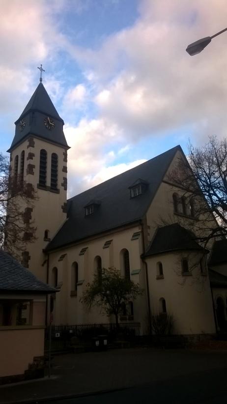 martinskirche-in-frankfurt-schwanheim