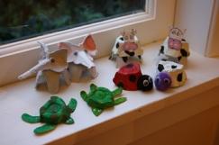 basteln-eierschachteln-ideen-kühe-elefanten-schildkröten-käfer